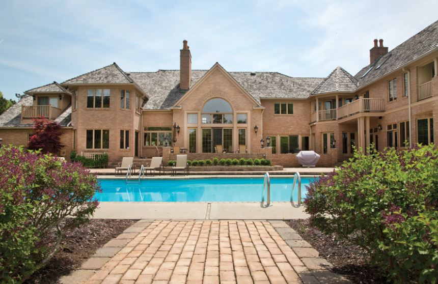 Urban meyer throws a pool party cheeseknuckles for Meyer house