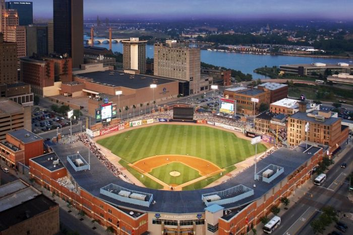 Fifth-Third-Field---Toledo--Ohio_54_990x660_201404241529